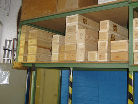 Verpackungsmaterialien - Boris Girkin Schreinermeister/Schreinerei Solingen: Altbausanierung Solingen, Beseitigung von Einbruchschäden, Innenausbau und Ladenbau.